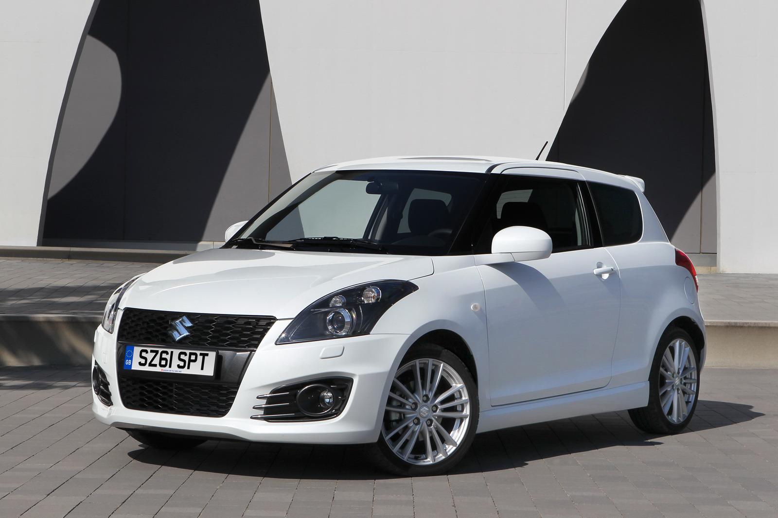 2012 suzuki swift sport price at 13 500 in the uk. Black Bedroom Furniture Sets. Home Design Ideas
