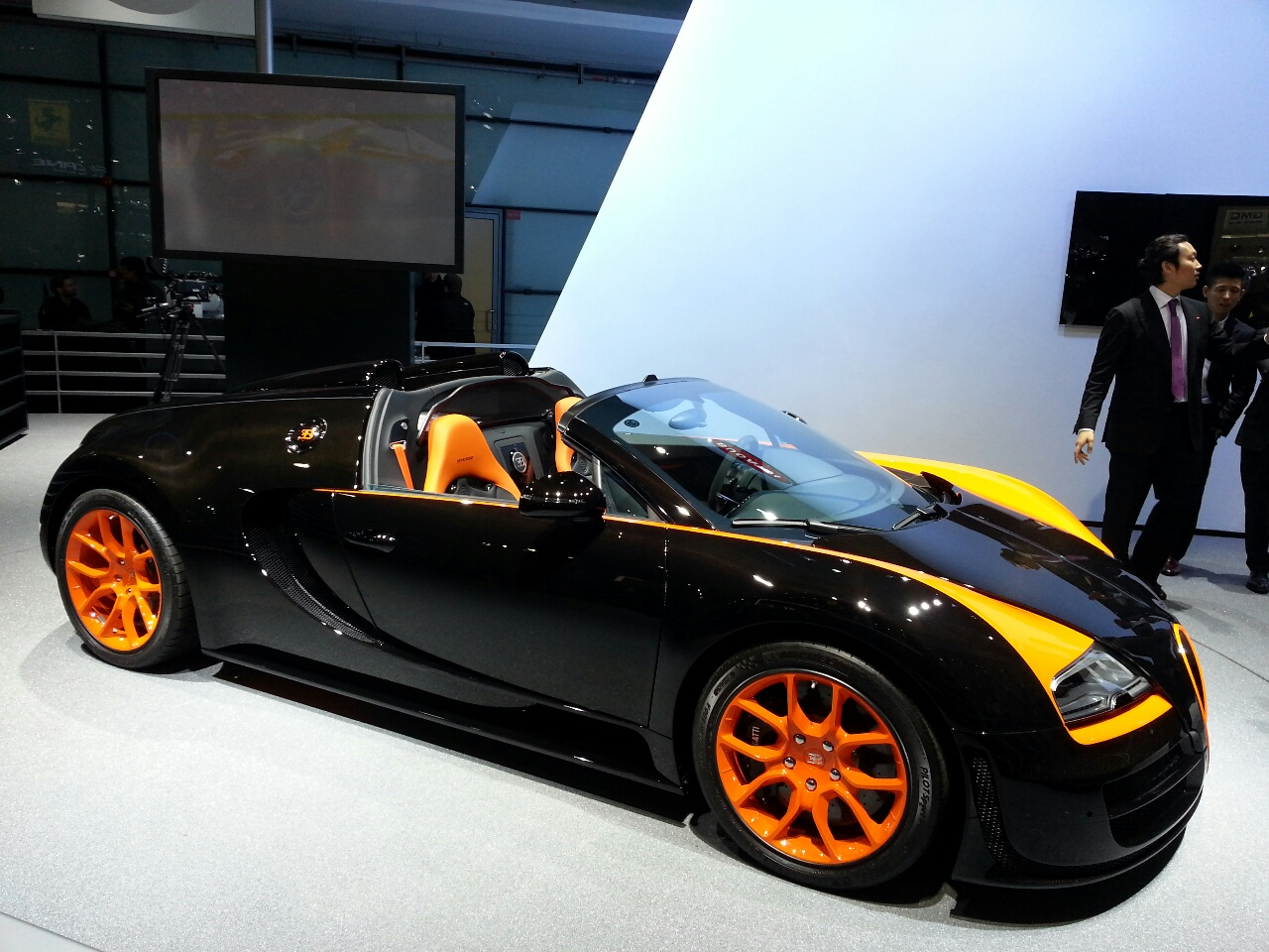 live auto shanghai 2013 with bugatti veyron vitesse wrc limited edition. Black Bedroom Furniture Sets. Home Design Ideas
